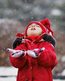 ребёнок и снег