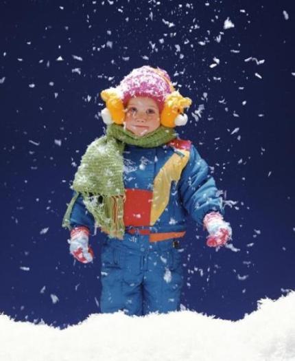 ребёнок в снегу